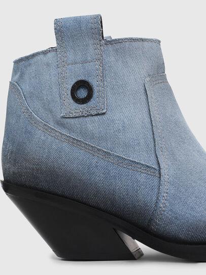 Diesel - D-GIUDECCA MAB, Blu Jeans - Stivaletti - Image 4