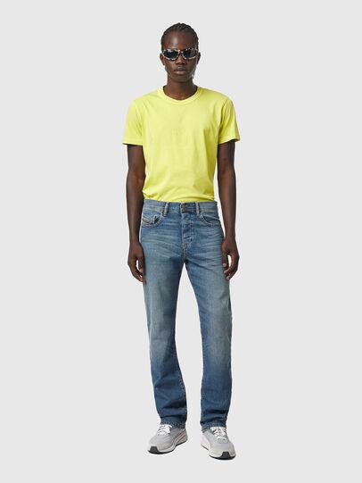 Diesel - D-Vocs 009EI, Blu medio - Jeans - Image 5