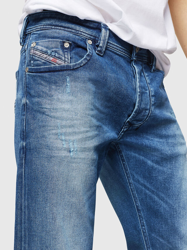Diesel - Larkee C84NV, Blu Chiaro - Jeans - Image 3
