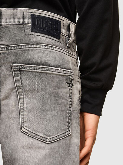 Diesel - D-Fining 069SV, Grigio Chiaro - Jeans - Image 4