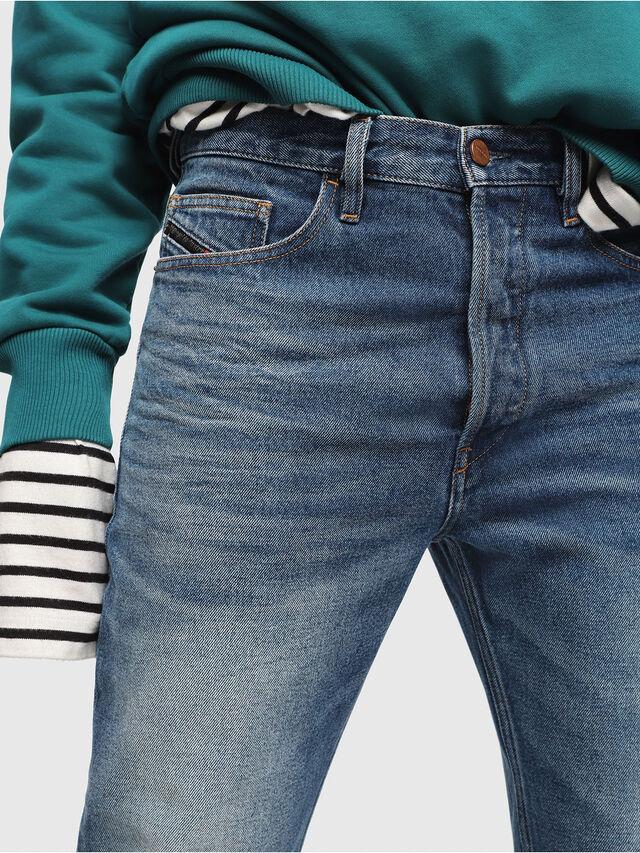 Diesel - D-Aygle 0076Y, Blu medio - Jeans - Image 3