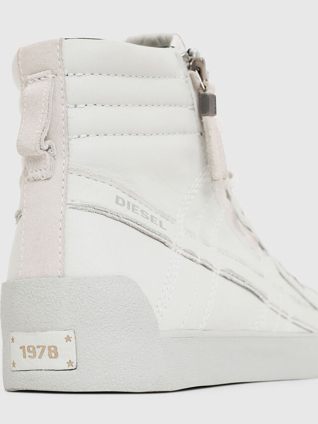 Diesel - D-STRING PLUS, Bianco - Sneakers - Image 4