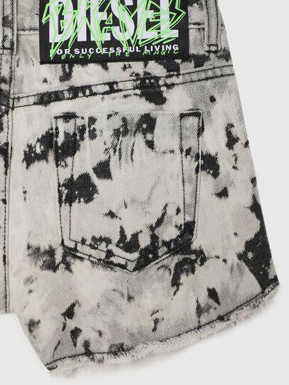 Diesel - PRIFTY, Bianco/Nero - Shorts - Image 4