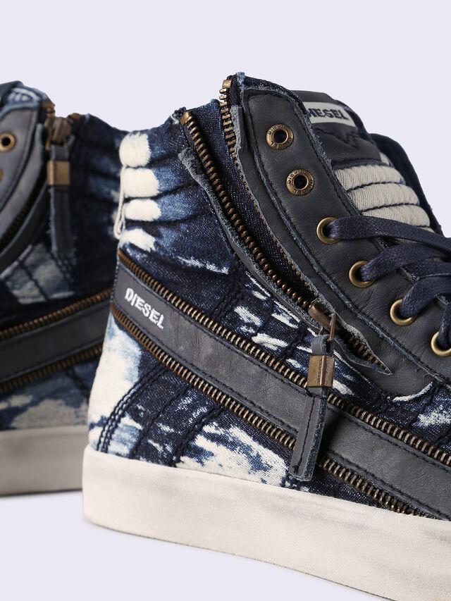 D-STRING PLUS, Blu Jeans