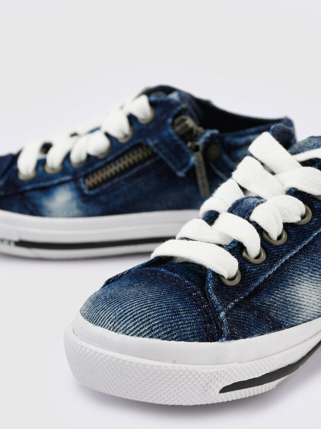 Diesel - SN LOW 25 DENIM EXPO, Blu Jeans - Scarpe - Image 4