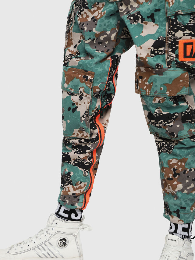 Diesel - P-LUZA-CAMOU, Verde Camo - Pantaloni - Image 4