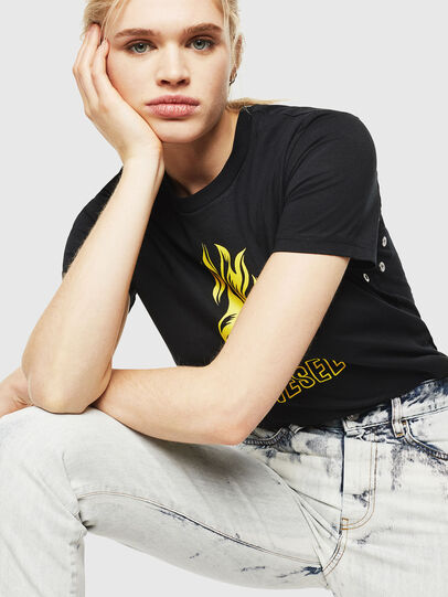 Diesel - T-SILY-WQ, Nero/Giallo - T-Shirts - Image 4