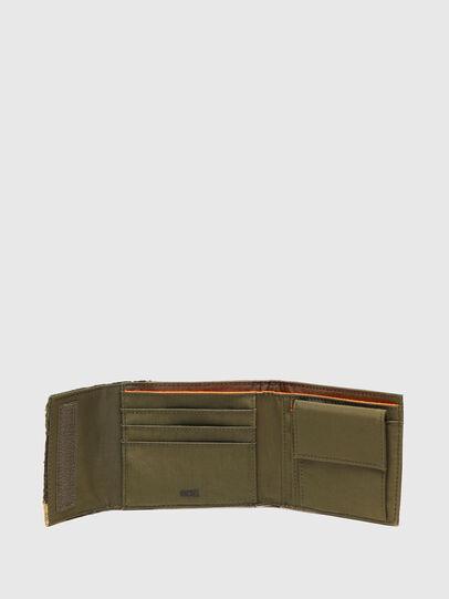 Diesel - HIRESH FD, Verde Militare - Portafogli Piccoli - Image 3