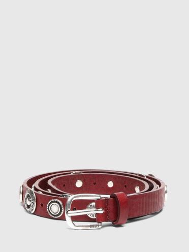 Cintura in pelle con borchie cesellate