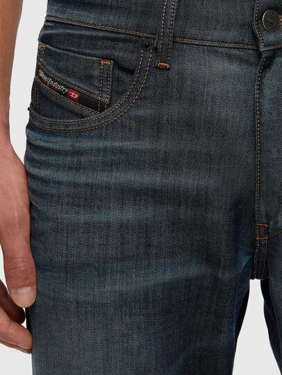 Diesel - D-Strukt JoggJeans® 009KJ, Blu Scuro - Jeans - Image 3
