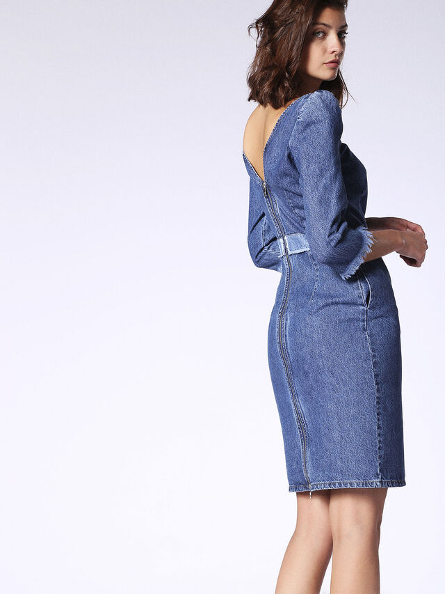 DE-JOY, Blu Jeans