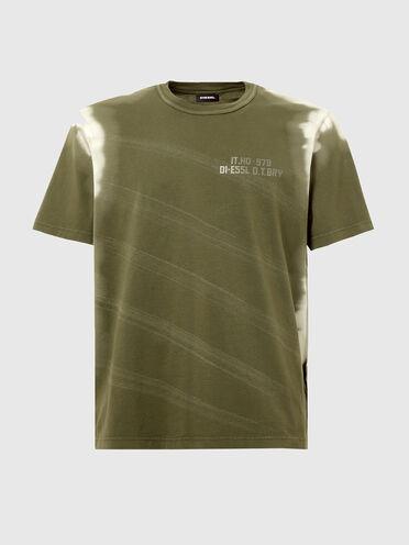 T-shirt trattata tinta in capo