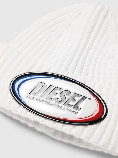 Diesel - K-DENNY, Bianco - Cappelli invernali - Image 3