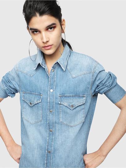 Diesel - DE-BLANCHE, Blu Jeans - Vestiti - Image 3