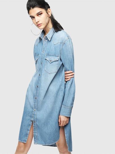 Diesel - DE-BLANCHE, Blu Jeans - Vestiti - Image 1