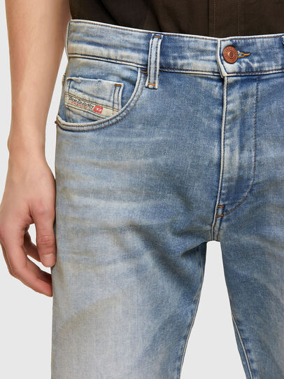 Diesel - D-Strukt JoggJeans® 069UU, Blu Chiaro - Jeans - Image 3