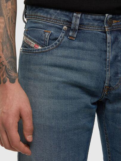 Diesel - Larkee 009EI, Blu medio - Jeans - Image 4