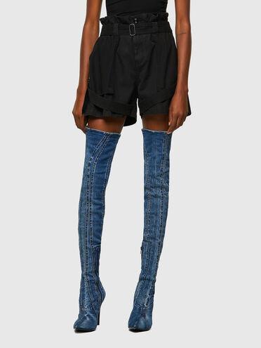 Shorts cargo con cinturini in twill e tela