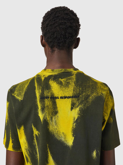 Diesel - T-JUST-B84, Verde/Giallo - T-Shirts - Image 4