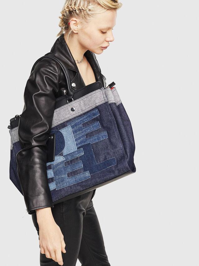 Diesel - F-DESTAR SHOPPER M, Blu Jeans - Shopper e Borse a Spalla - Image 5