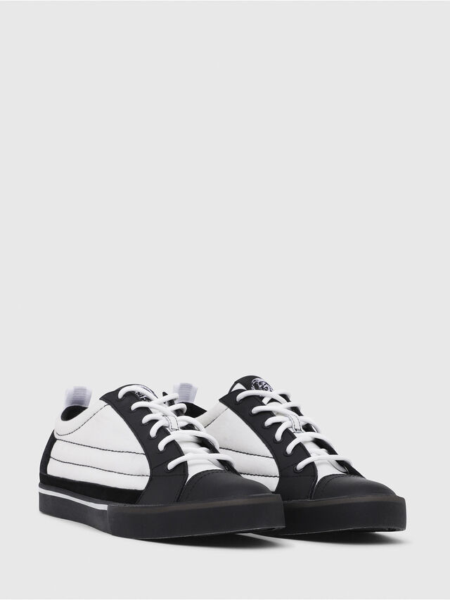 Diesel - D-VELOWS LOW PATCH, Nero/Bianco - Sneakers - Image 2