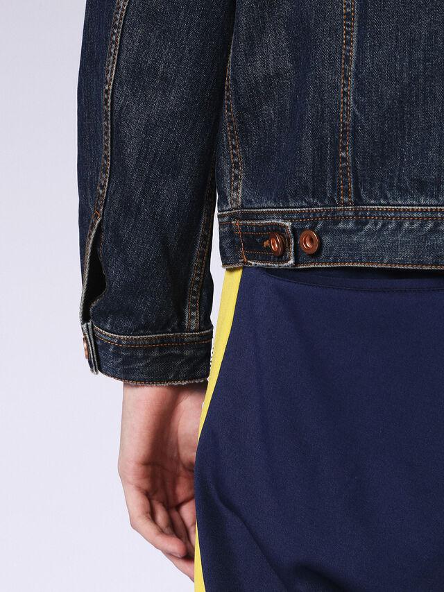 NHILL, Blu Jeans
