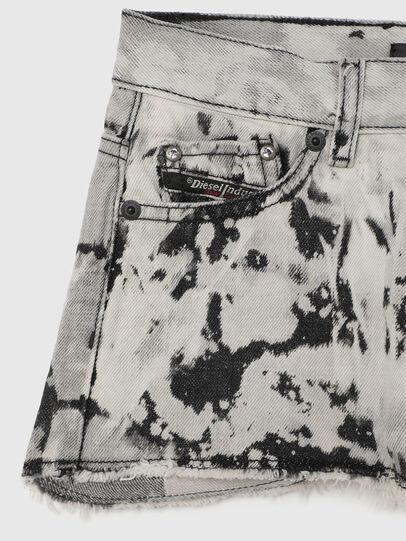 Diesel - PRIFTY, Bianco/Nero - Shorts - Image 3