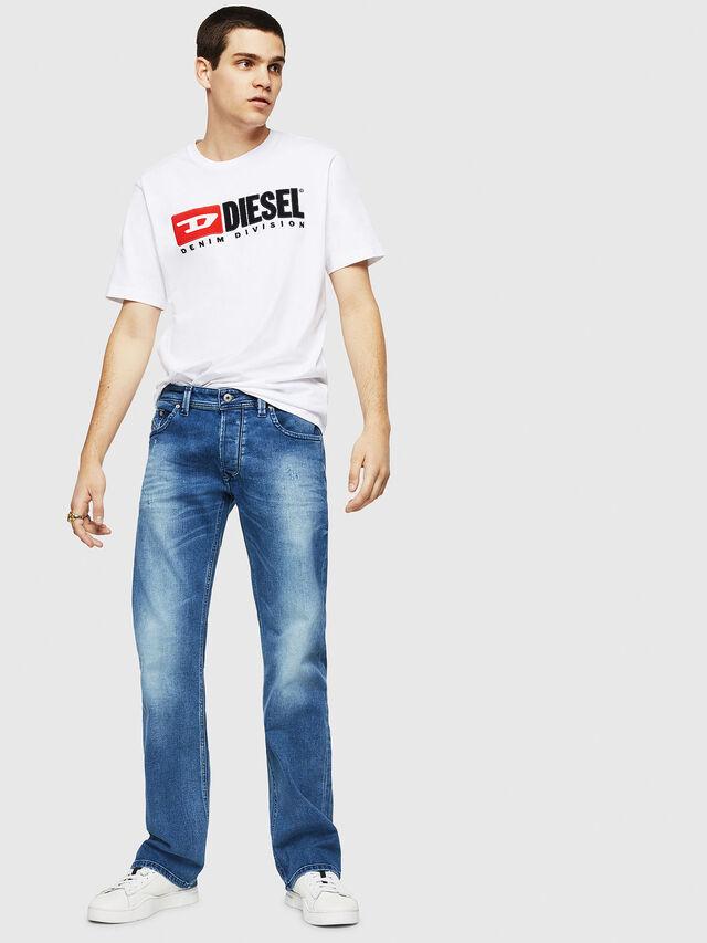 Diesel - Larkee C84NV, Blu Chiaro - Jeans - Image 4