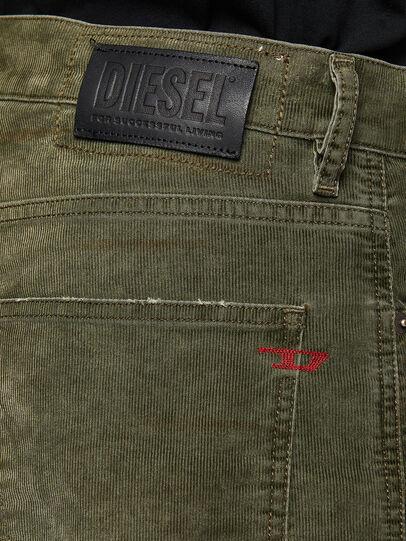 Diesel - D-Macs 069PT, Verde Militare - Jeans - Image 4