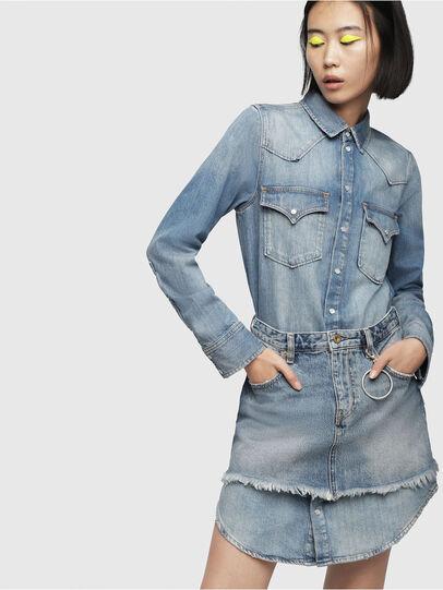 Diesel - DE-DESY-P, Blu Jeans - Vestiti - Image 1