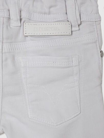 Diesel - SLEENKER-B JOGGJEANS-N, Bianco - Jeans - Image 4