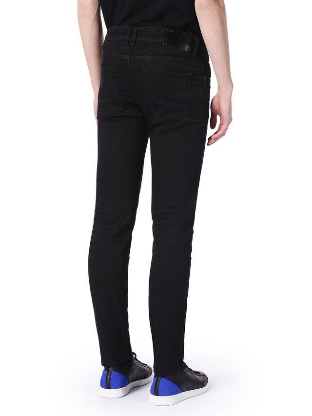 TYPE-2815, Nero Jeans