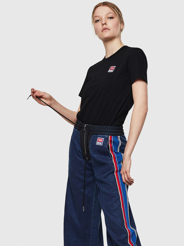 Diesel - T-SILY-ZE, Nero - T-Shirts - Image 4