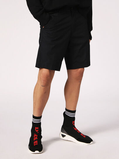 Diesel - CHI-DRIVE, Nero - Shorts - Image 1