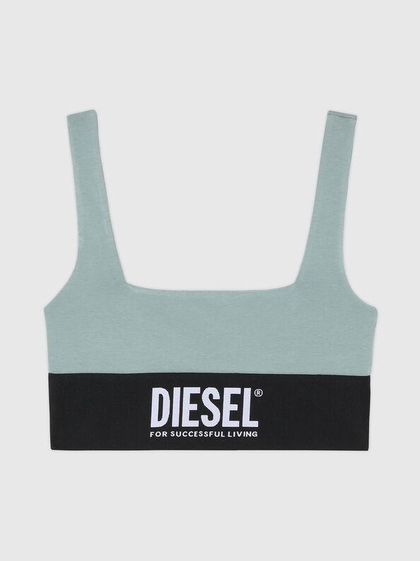 https://it.diesel.com/dw/image/v2/BBLG_PRD/on/demandware.static/-/Sites-diesel-master-catalog/default/dwcdeba2e1/images/large/A01952_0DCAI_5BQ_O.jpg?sw=594&sh=792