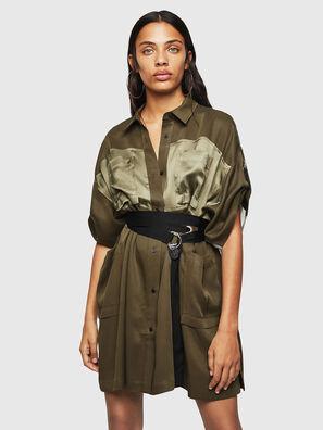 D-TIEP, Verde Militare - Vestiti
