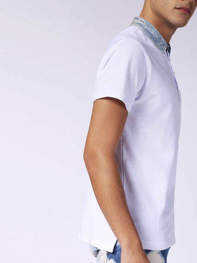 T-SAM, Bianco