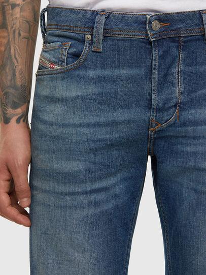 Diesel - Larkee-Beex 009DB, Blu medio - Jeans - Image 4