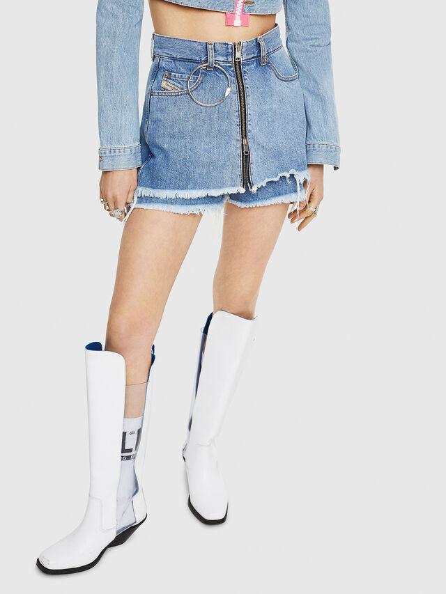 Diesel - DE-LARZY, Blu Jeans - Shorts - Image 1