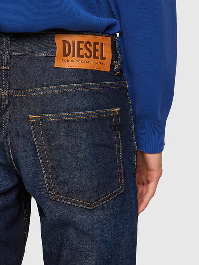 Diesel - D-Fining 09A12, Blu Scuro - Jeans - Image 4