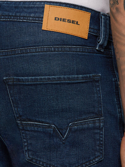 Diesel - Larkee-Beex 009ER, Blu Scuro - Jeans - Image 4