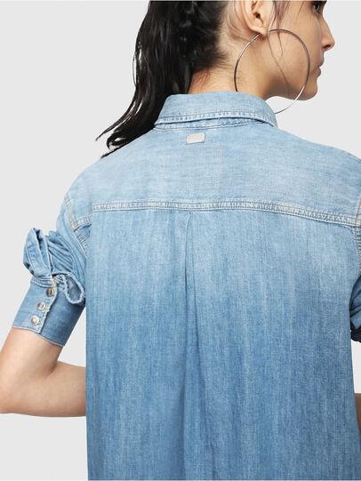 Diesel - DE-BLANCHE, Blu Jeans - Vestiti - Image 4