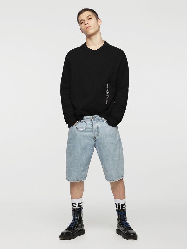 Diesel KEESHORT, Blu Chiaro - Shorts - Image 4