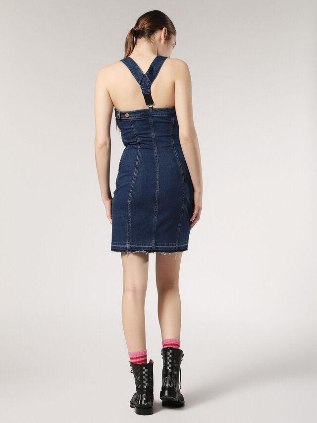DE-EMY, Blu Jeans