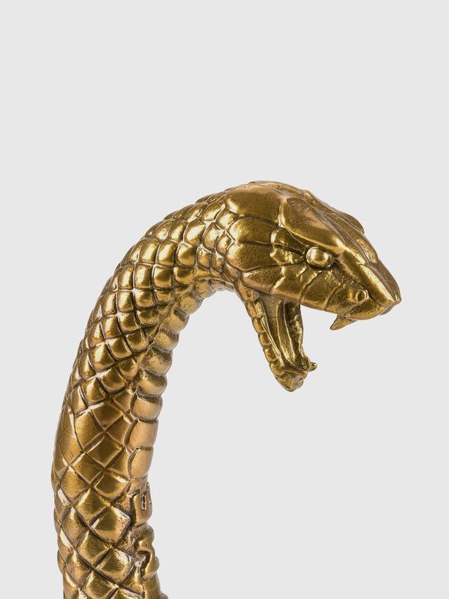 10893 Wunderkammer, Oro