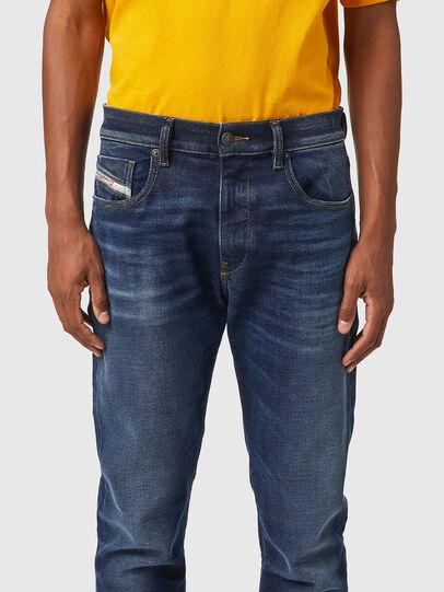 Diesel - D-Strukt JoggJeans® 069XG, Blu Scuro - Jeans - Image 3