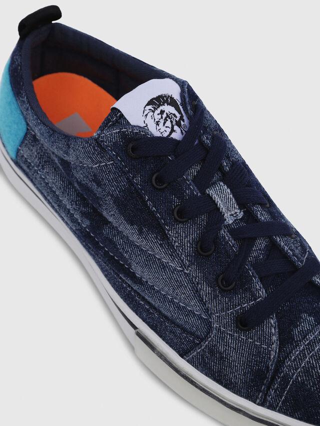 Diesel - D-VELOWS LOW PATCH, Blu Jeans - Sneakers - Image 4