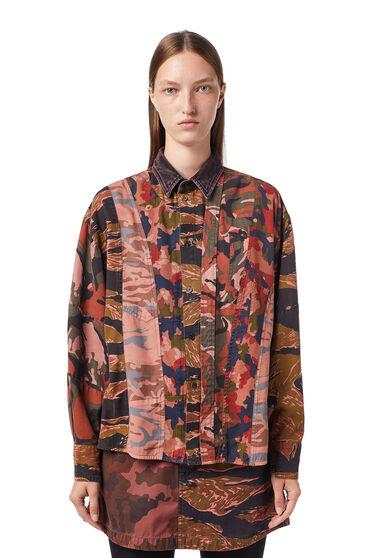 Camicia con stampa camouflage
