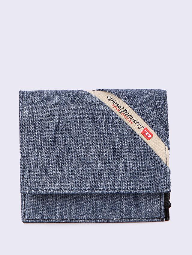 X-RAYD, Blu Jeans