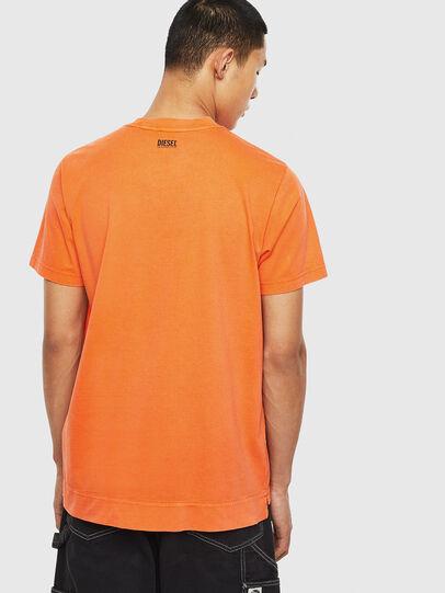 Diesel - T-THURE, Arancione - T-Shirts - Image 2